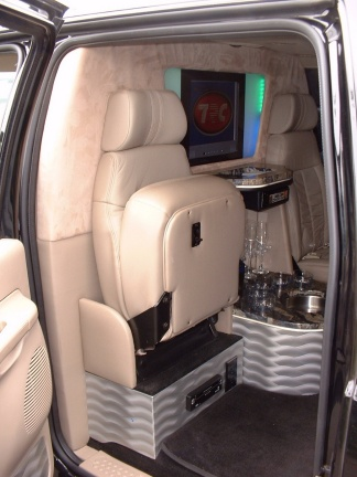 Ford Excursion Louisville Ky Southern In Xtreme Transportation