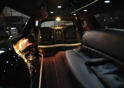 Lincoln town Car Limo3