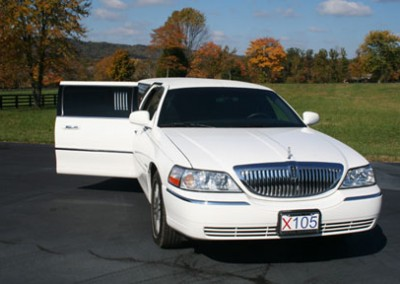Lincoln town Car Limo4