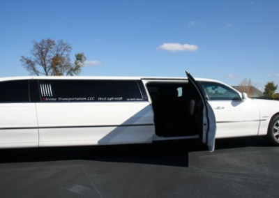 Lincoln town Car Limo5
